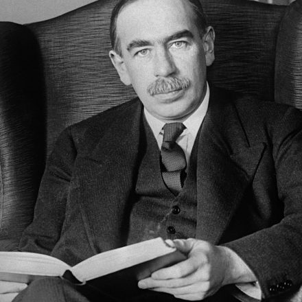 Three Times Keynes Was Not a Keynesian